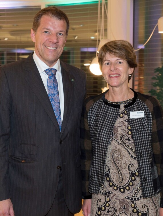 Dr. Carsten Voigtländer (Geschäftsführer der Vaillant Group) und Dr. Barbara Priesching (Geschäftsführerin Vaillant Group Austria)