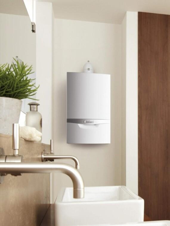 Das Vaillant Kombiheizgerät ecoTEC System actoSTOR im Badezimmer