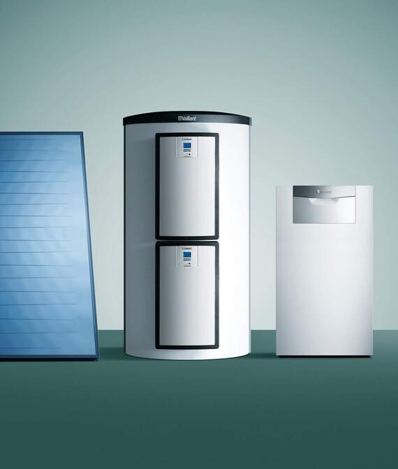 Vaillant Gas-Brennwertkessel ecoCRAFT exclusiv mit Multispeicher allSTOR und Solarkollektor