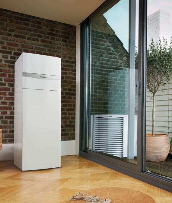 Vaillant Heizungswärmepumpe aroTHERM VWL mit uniTower im Wohnraum