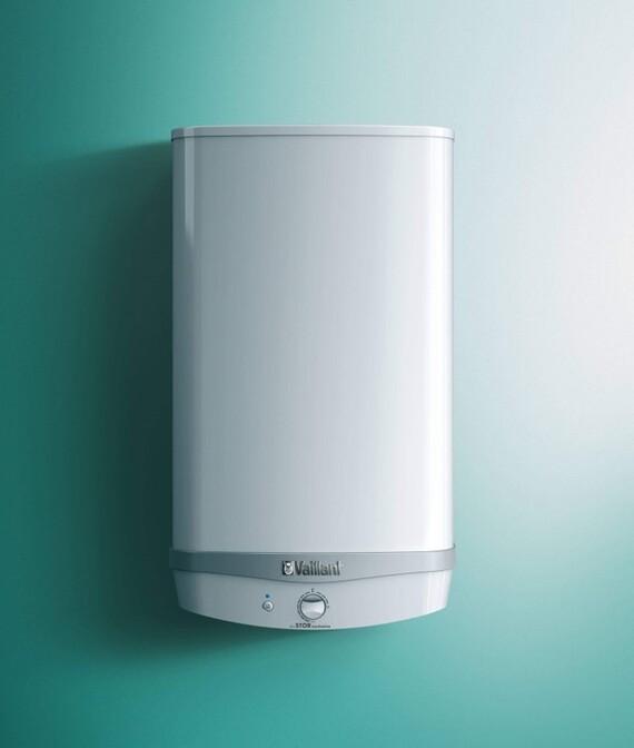 Vaillant Elektro-Warmwasserspeicher eloSTOR exclusive vor grünem Hintergrund