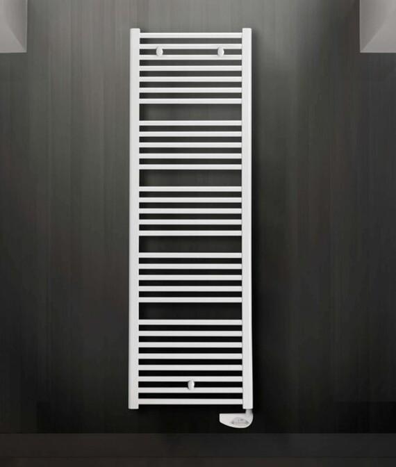 Vaillant Badheizkörper Flores E im Badezimmer auch als Handtuchtrockner nützbar