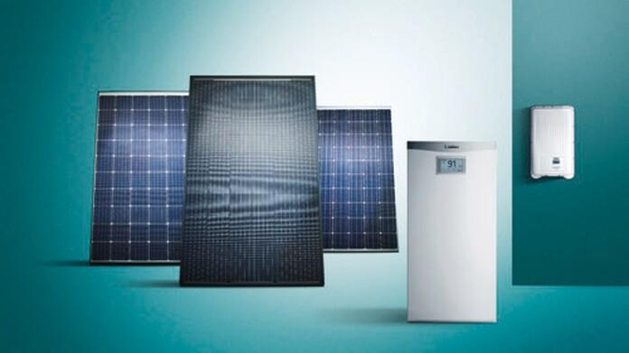 Vaillant Photovoltaik Module, Batteriespeicher und Wechselrichter vor grünem Hintergrund