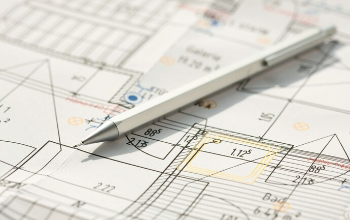 Grundstücksplan mit Kugelschreiber