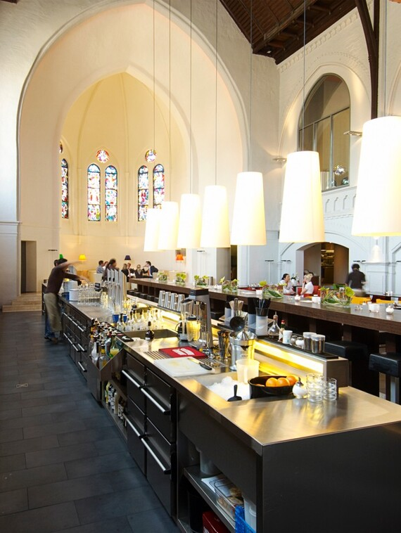 //www.vaillant.at/media-master/global-media/vaillant/architects-planners/references/martini-church/reference-de-martinichurch-picture-interieur1-336792-format-3-4@570@desktop.jpg